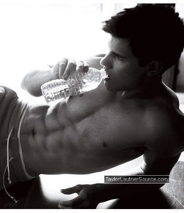 Taylor Lautner hot