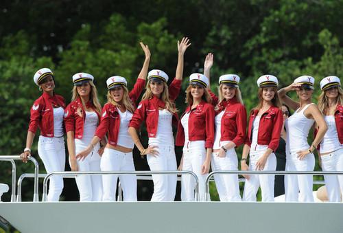 Victoria's Secret Angels Arrive in Miami 2008