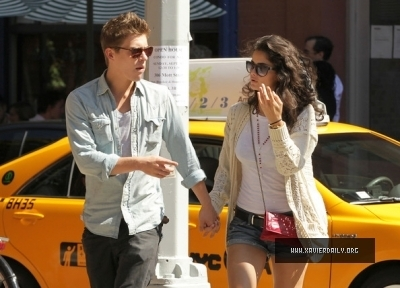 Xavier Samuel in Manhattan