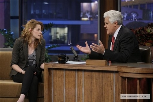 first pics of Kristen on the Leno دکھائیں