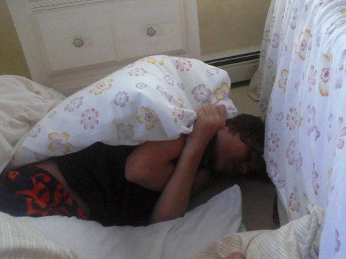 justin sleeping ! awwww