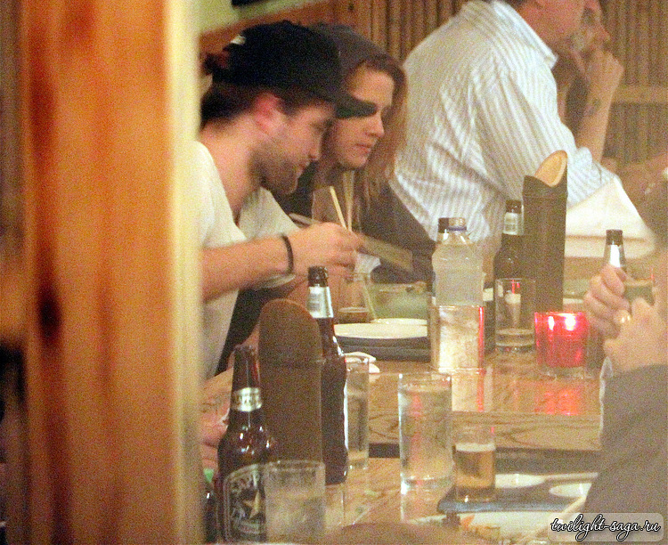 10/10/1910 - Robsten cena at a Japanese restaurant