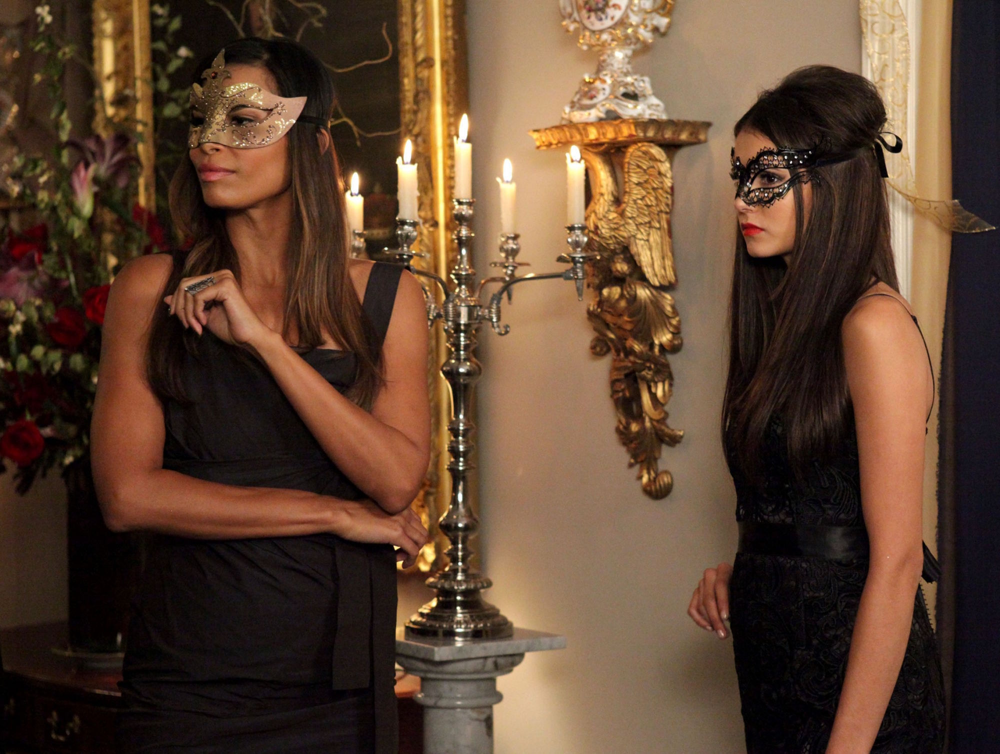 http://images4.fanpop.com/image/photos/16200000/2-07-Masquerade-the-vampire-diaries-16220618-2000-1508.jpg