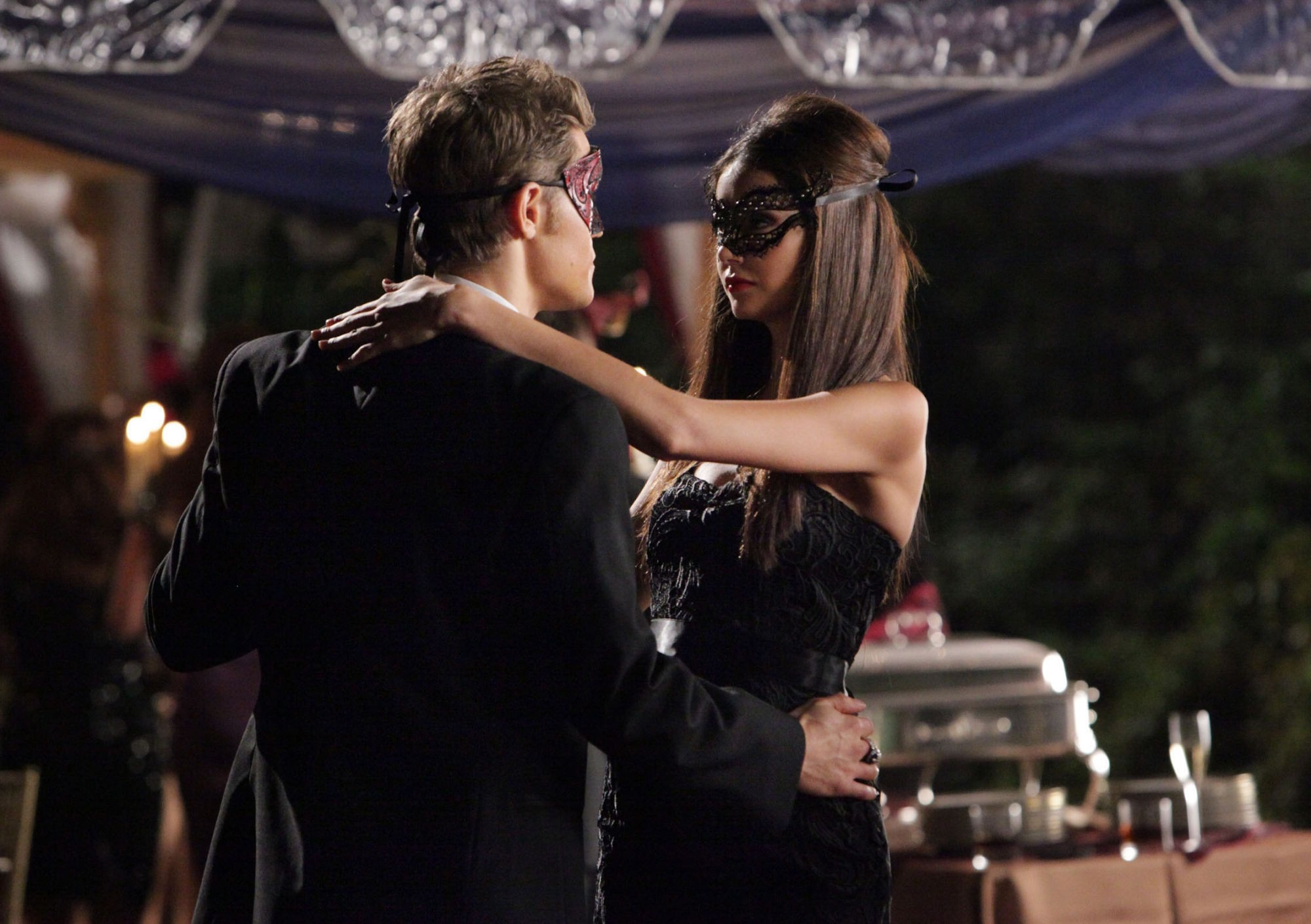 http://images4.fanpop.com/image/photos/16200000/2-07-Masquerade-the-vampire-diaries-16220621-2000-1410.jpg