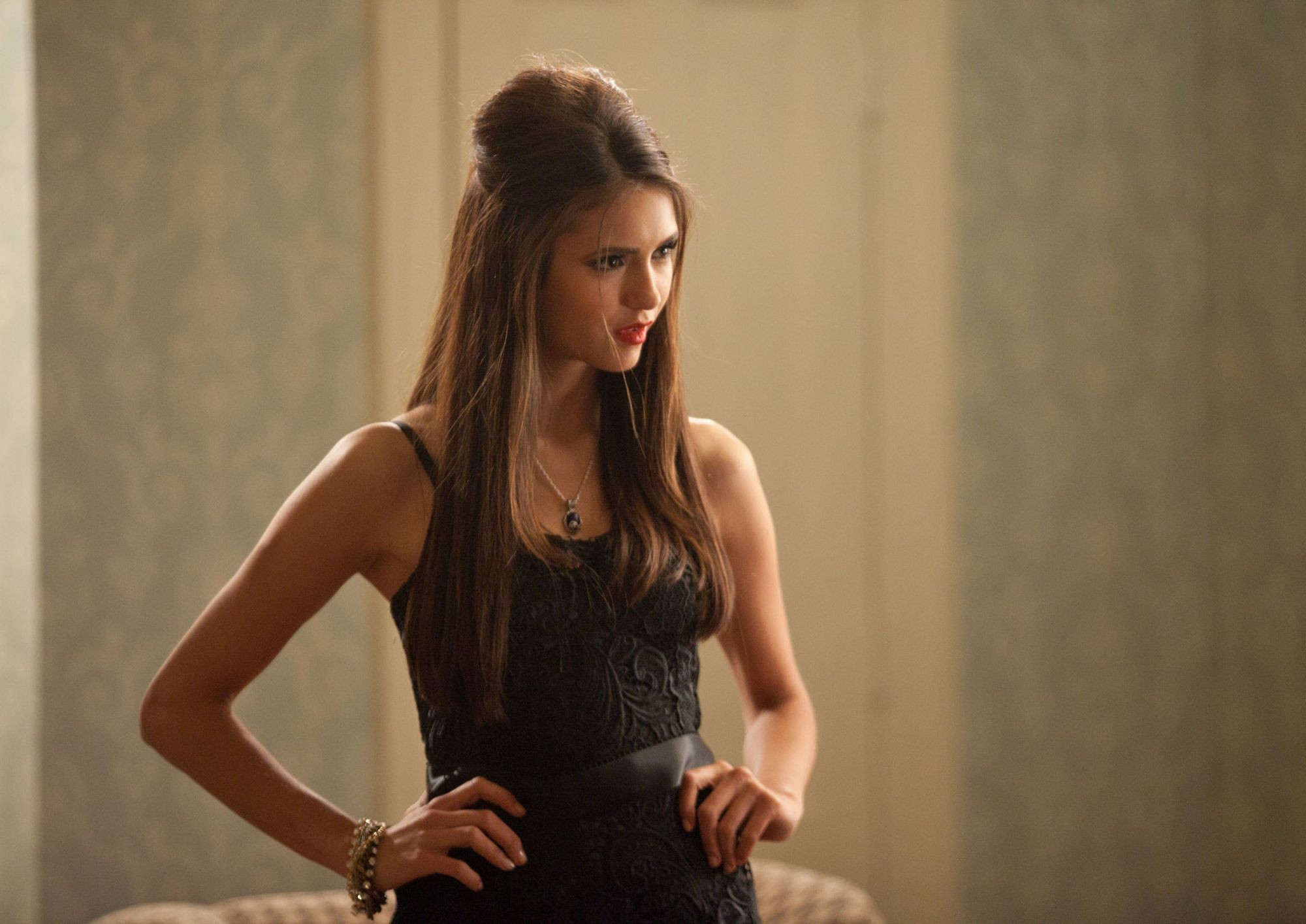 http://images4.fanpop.com/image/photos/16200000/2-07-Masquerade-the-vampire-diaries-16220631-2000-1414.jpg