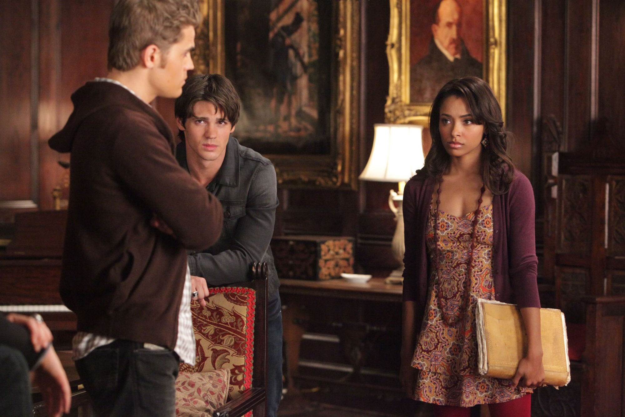 http://images4.fanpop.com/image/photos/16200000/2-07-Masquerade-the-vampire-diaries-16220724-2000-1333.jpg