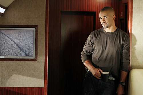 Criminal Minds wallpaper with a living room and a family room called 6.07-Middle Man-Promo