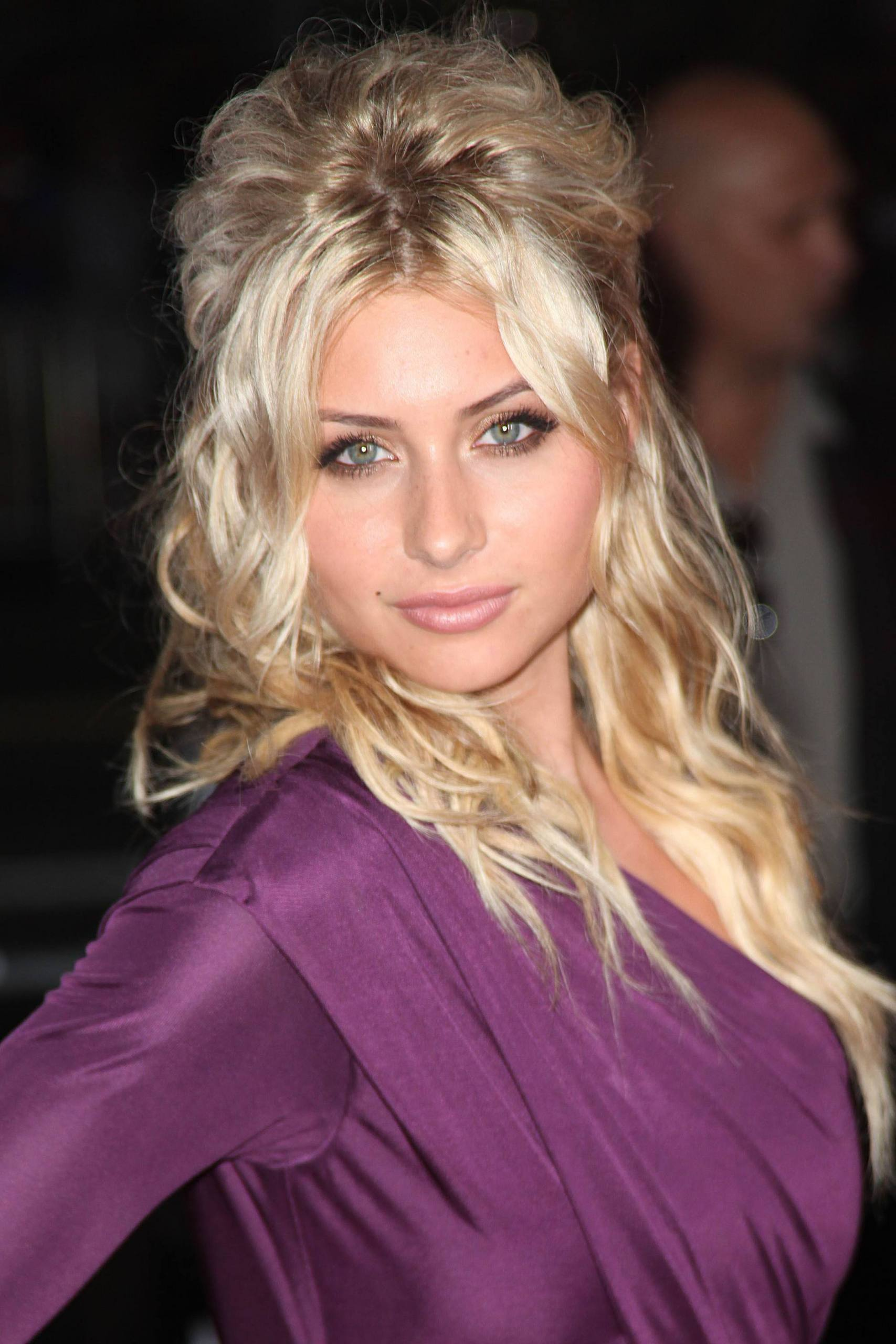 Aly Michalka - Images Hot