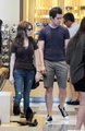 Anna Kendrick shopping with a guy - twilight-series photo