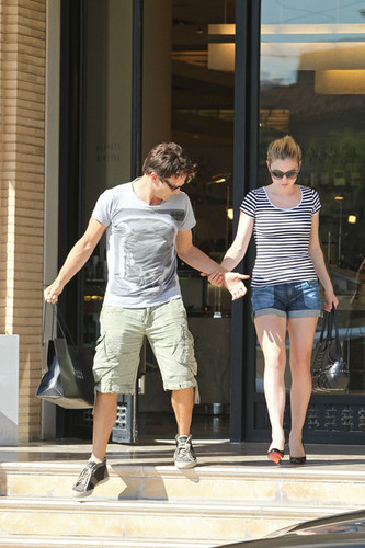 Anna Paquin & Stephen Moyer shopping in Santa Monica - true-blood Photo