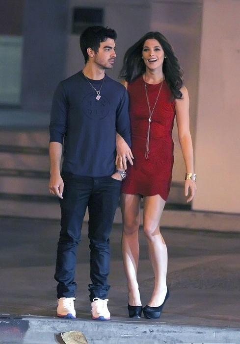 Ashley Greene and Joe Jonas at the Los Angeles 13.10.10