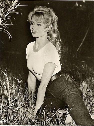 Brigitte Bardot karatasi la kupamba ukuta possibly with bare legs, hosiery, and a maillot titled BB