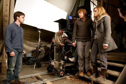 Behind the scenes of Deathly Hallows- trio with David Yates