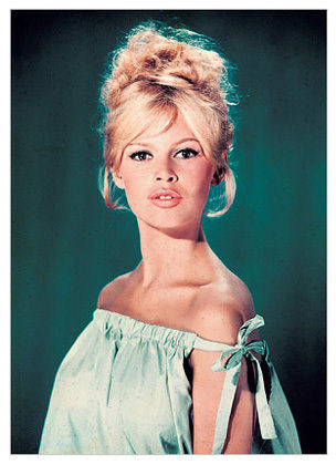 Brigitte Bardot hình nền with a portrait entitled Brigitte