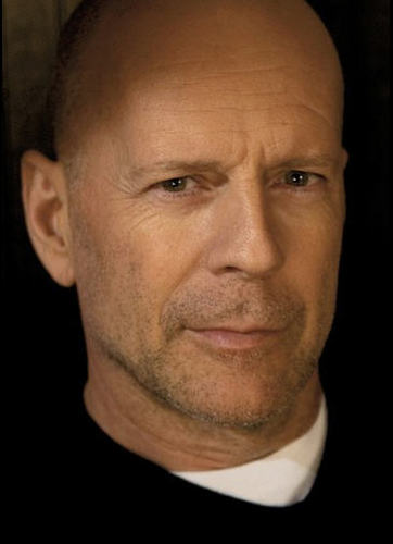 Bruce Willis wallpaper with a business suit called Bruce