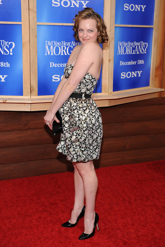 """Elisabeth Moss - Premiere Of """"Did bạn Hear About The Morgans?"""" - Arrivals"""