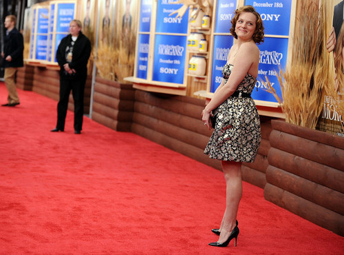 "Elisabeth Moss - Premiere Of ""Did あなた Hear About The Morgans?"" - Arrivals"