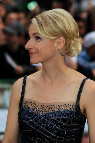 Elizabeth Gilbert at UK premiere of EPL