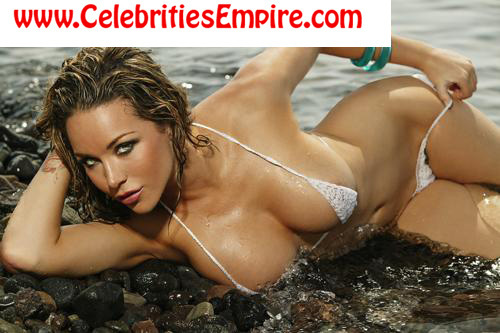 Сексуальные женщины Обои containing a bikini and skin called Emily Scott
