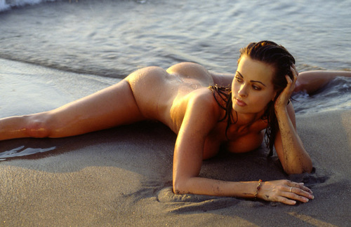 Wanita cantik kertas dinding containing skin called Karen Mcdougal