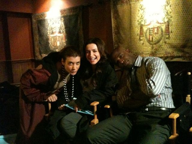 http://images4.fanpop.com/image/photos/16200000/Kate-Walsh-Caterina-Scorsone-Taye-Diggs-private-practice-16292071-640-480.jpg?1342813531947