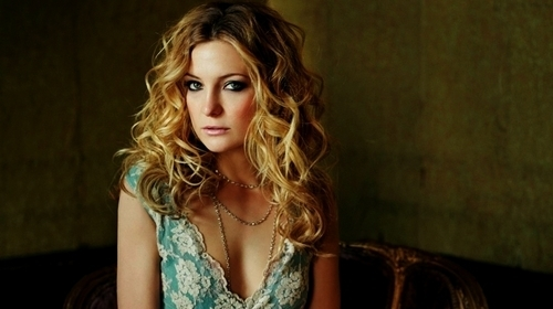 Kate Hudson wallpaper containing a portrait titled Kate