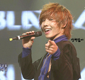 Lee Joon SinGinG :P