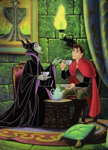 Disney Villains پیپر وال probably with a bouquet titled Maleficent