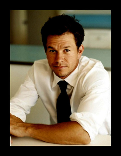 Mark Wahlberg wallpaper possibly with a business suit titled Mark Wahlberg