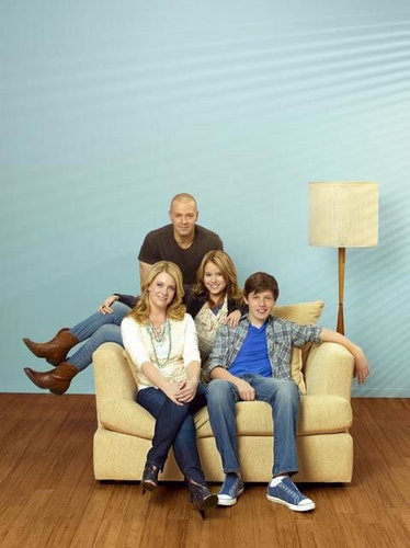 Melissa & Joey - Cast Promotional фото