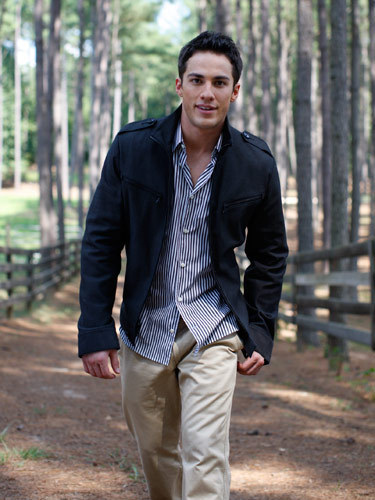 http://images4.fanpop.com/image/photos/16200000/Michael-Trevino-Seventeen-Magazine-the-vampire-diaries-16277675-375-500.jpg