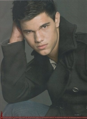 New Outtake of Taylor Lautner in Luna Magazine - taylor-lautner photo