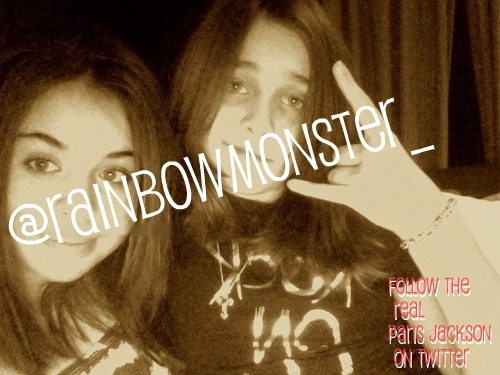 Paris Jackson and Friend. PARIS JACKSON REAL TWITTER, READ DESCRIPTION!!