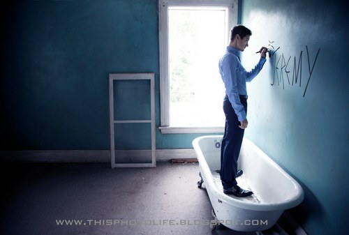 Jeremy Renner wallpaper containing a shower entitled Photoshoot 2