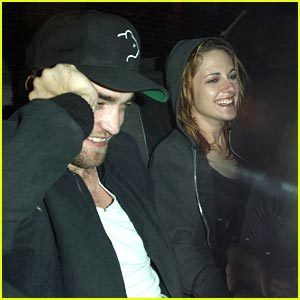 Rob and Kristen SMILING!