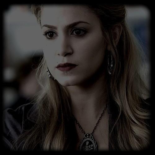 Rosalie Hale ;*