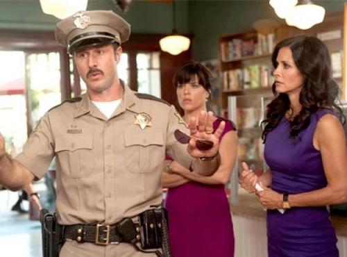 Scream 4 - New Promo Pic of Courteney Cox and David Arquette