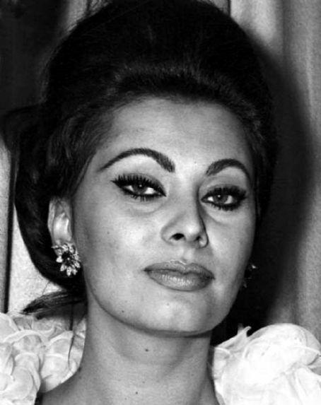 Sophia Loren - Sophia ...
