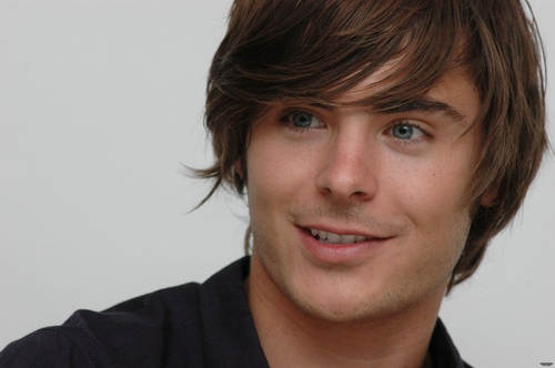 Zac Efron wallpaper with a portrait called Zac efron