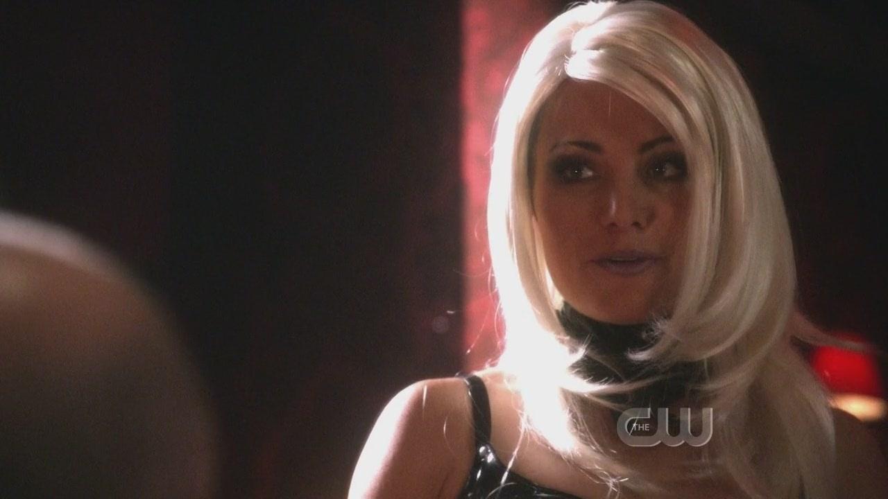 Erica Durance 10x03 - Supergirl