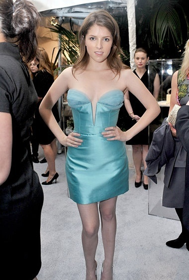 Anna on the 17th Annual Women in Hollywood Tribute (18.10.10)