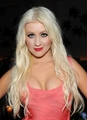 Christina Aguilera at he Waikiki EDITION Private Sunset tabing-dagat BBQ (October 15)