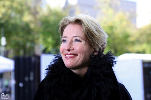 Emma Thompson wallpaper with a fur coat entitled Emma Thompson in Den Haag (October the 16th)