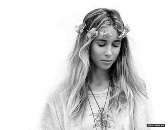 Gillian Zinser > Photoshoots - 90210 photo