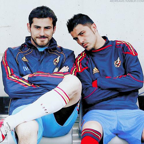 David ولا پیپر وال titled Iker Casillas & David ولا