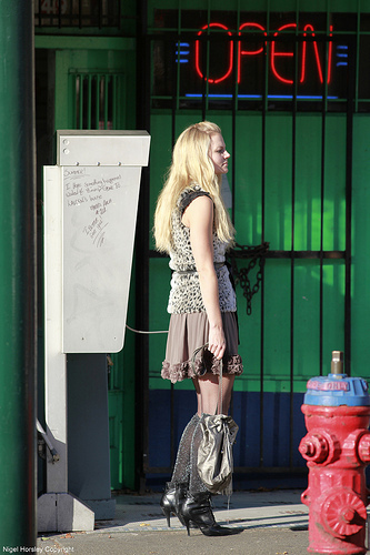 JMO on set filming Bring Ashley প্রথমপাতা