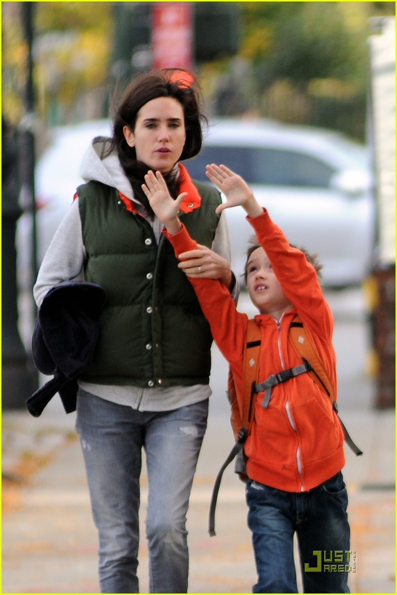 Jennifer Connelly's Mini Bodyguard: Son Stellan!