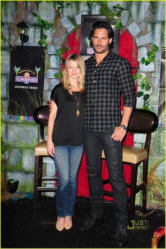 Joe Manganiello and Lindsay Pulsipher @ meet and greet at the Seminole Casino