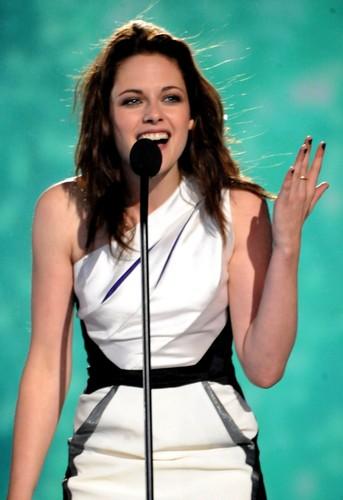 Kristen Stewart At Scream Award 2010