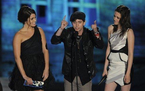 Kristen Stewart, Nikki Reed, And Jackson Rathbone At Scream Awards 2010